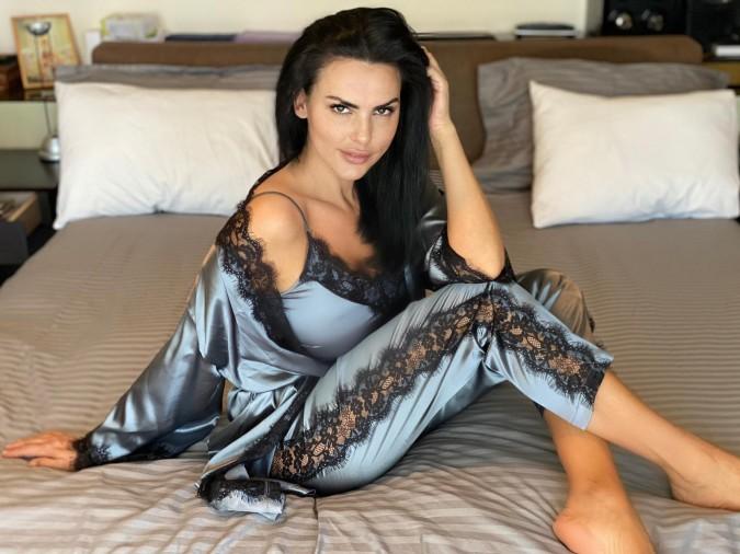Set 3 piese Luxury din Satin Gri cu dantela neagra cod PJS370