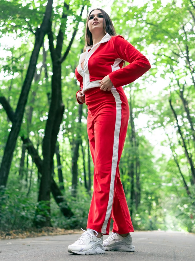Trening din Catifea Rosu-Alb cu pantalon drept