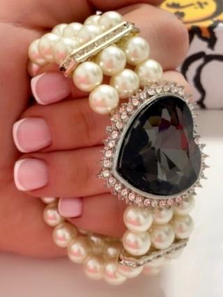 Bratara Pearls