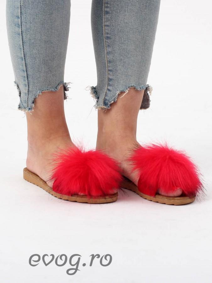 Papuci cu puf Fluffy Red