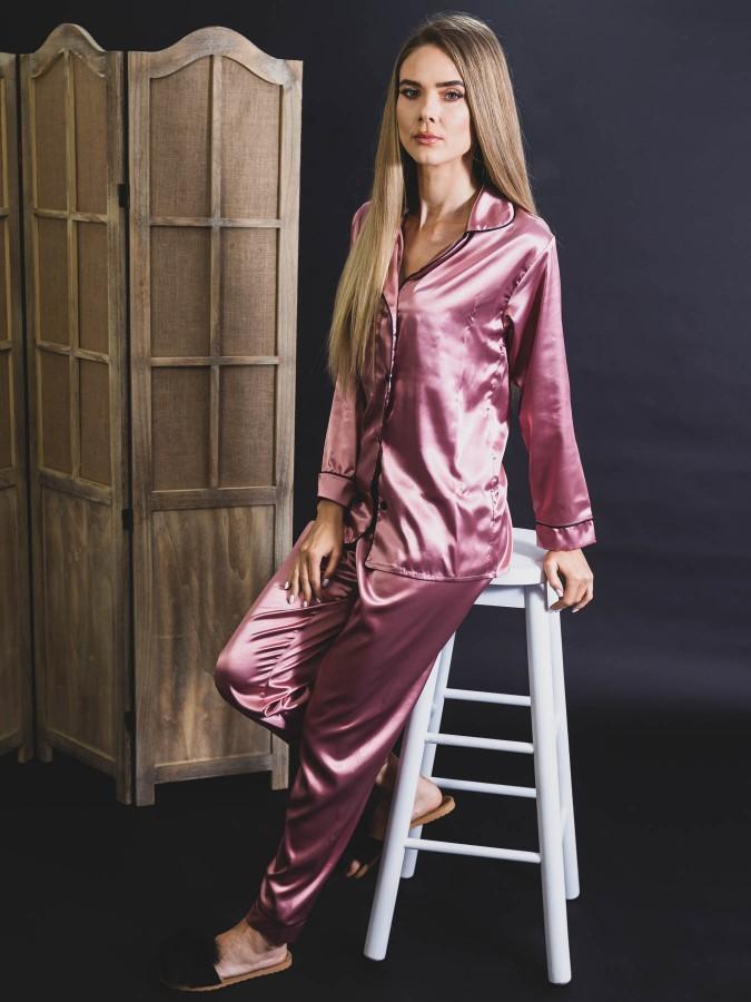 Pijama Luxury din Satin Roz Prafuit inchis cu vipusca neagra cod PJS6