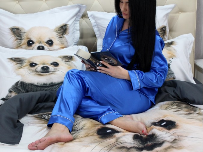 Pijama Luxury din Satin Albastra cu vipusca alba cod PJS3